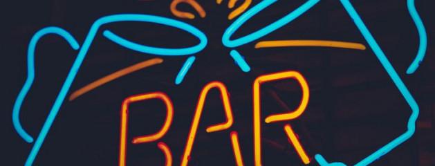 Роспотребнадзор поддерживает запрет на продажу алкоголя в барах в жилых домах