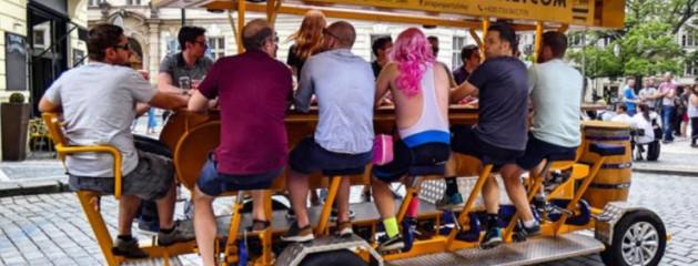 В Праге запретили пивные велосипеды